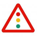 Señal de tráfico peligro semáforos