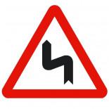 Señal de tráfico peligro curvas peligrosas hacia la izquierda